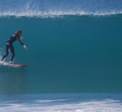 9 Pies Escuela y Surfcamp en El Palmar